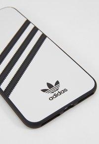 adidas Originals - MOULDED CASE SAMBA FOR IPHONE 6+/ IPHONE 6S+/ IPHONE 7+/IPHONE 8+  - Étui à portable - white/black - 2