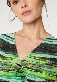 Paz Torras - Maxi dress - verde - 2
