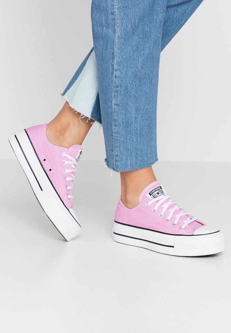 Converse - CHUCK TAYLOR ALL STAR LIFT SEASONAL - Sneakers laag - peony pink/white/black