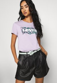 Levi's® - THE PERFECT TEE - Print T-shirt - purple - 3