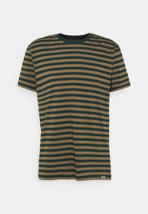THOR TEE - Print T-shirt - capers/scarab