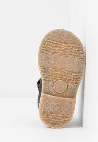 Froddo - Lær-at-gå-sko - bronze - 5