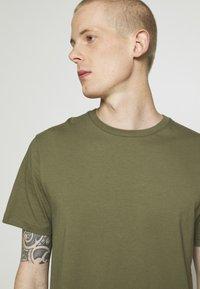 Burton Menswear London - 3 PACK - Basic T-shirt - grey - 5