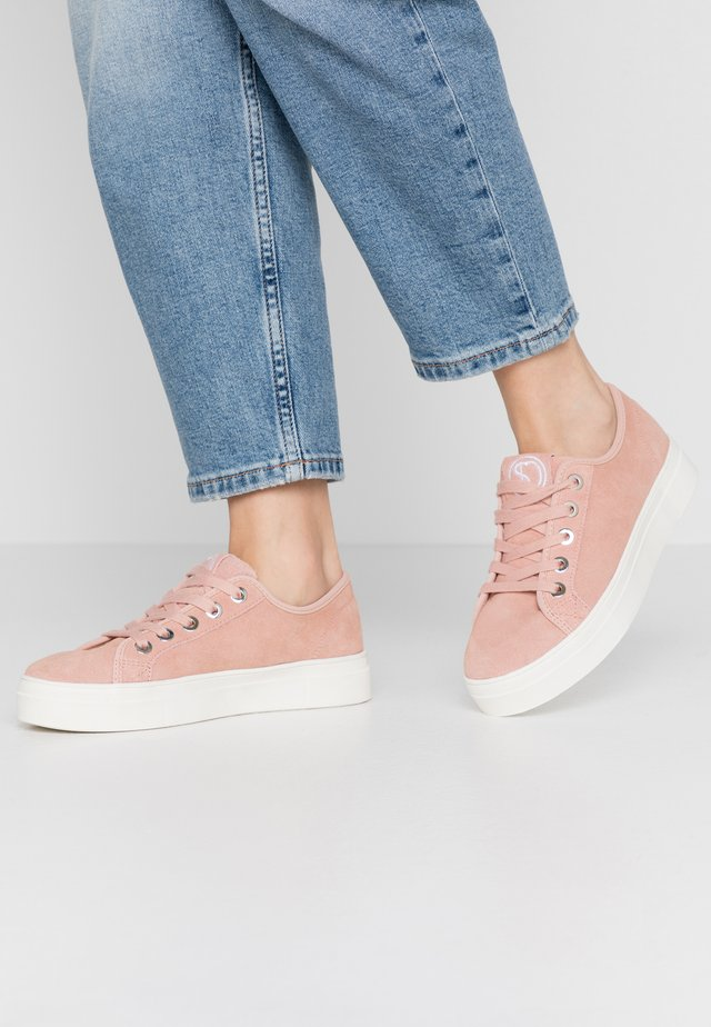 Sneakers laag - soft pink