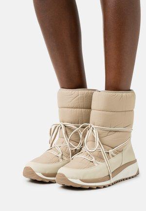ALFRED - Šněrovací kotníkové boty - beige