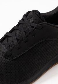 Vaude - ASFALT DFX - Sneakersy niskie - black - 5