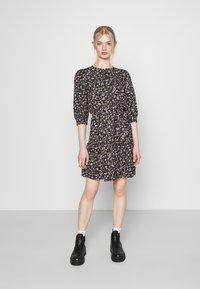 ONLY - ONLRIKKA DRESS - Kjole - black - 3