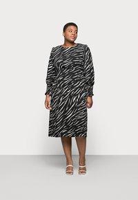 New Look Curves - SHIRRED DETAIL MIDI DRESS - Day dress - black pattern - 0