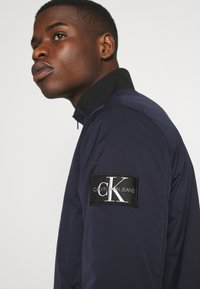 Calvin Klein Jeans - ZIP UP HARRINGTON - Bomber Jacket - night sky - 5