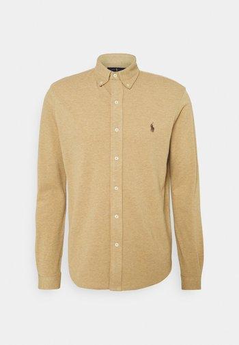 FEATHERWEIGHT MESH SHIRT - Shirt - luxury tan heather