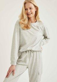 DeFacto - Sweatshirt - grey - 0