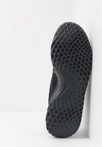 Nike Performance - RENEW RIDE - Neutral running shoes - black/dark smoke grey - 4
