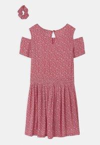 Lemon Beret - TEEN GIRLS SCRUNCHIE - Day dress - tomato puree - 1