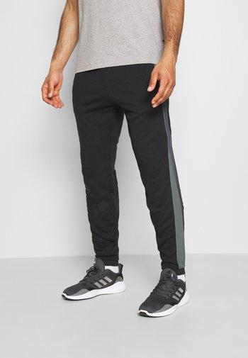 BOSC - Pantaloni sportivi - black