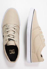 DC Shoes - TONIK - Zapatillas - timber/oak - 1