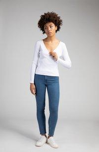 Girl Happens - LIA - Long sleeved top - weiß - 1