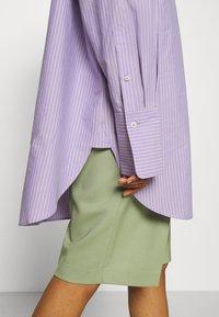 ARKET - SHIRT - Button-down blouse - purple stripe - 4