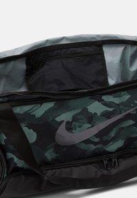 Nike Performance - DUFF - Sports bag - light smoke grey/black/cool grey - 3