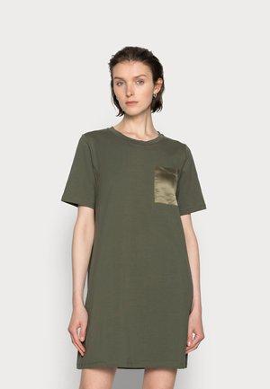 DANA DRESS - Jerseykjole - grape leaf