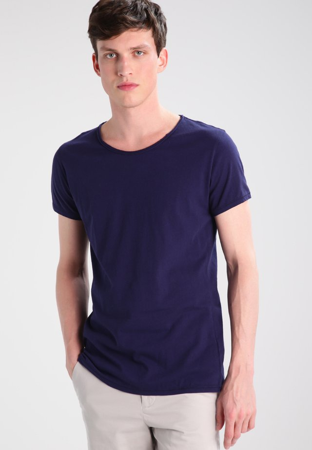 WREN - Basic T-shirt - midnight blue