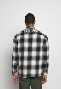 Mennace - APPLIQUE CHECK - Camicia - white - 2