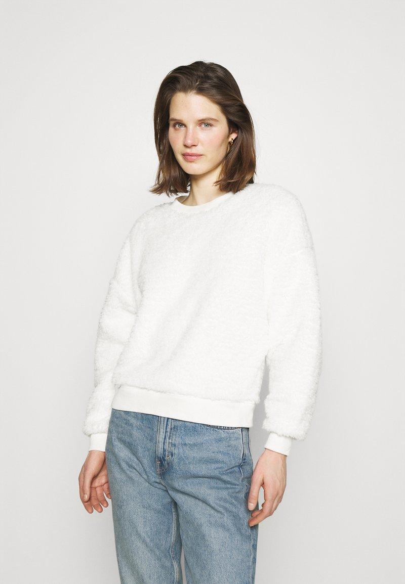 GAP - SHERPA CREW - Sweatshirt - milk