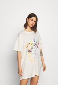 Cotton On Body - 90'S TSHIRT NIGHTIE - Koszula nocna - white - 1