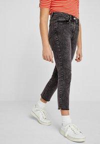 s.Oliver - Slim fit jeans - gray - 0