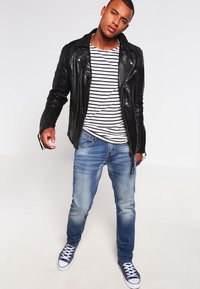 Jack & Jones - JJIMIKE JJORIGINAL  - Jeans straight leg - blue denim - 1