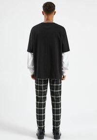 PULL&BEAR - Långärmad tröja - mottled black - 2