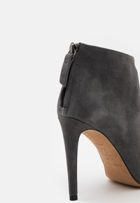 Pura Lopez - High heeled ankle boots - grey - 6