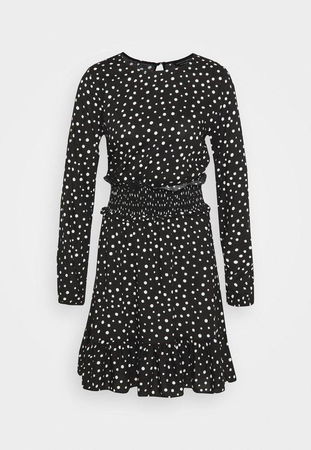 SHIRRED WAIST  - Sukienka z dżerseju - black