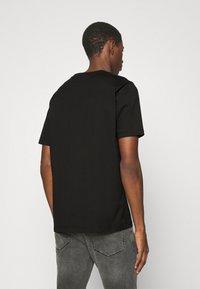 HUGO - DRINCE - Print T-shirt - black - 2