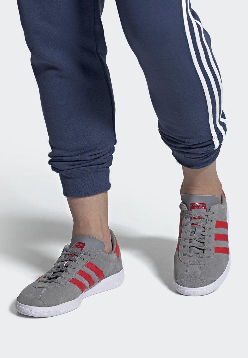 adidas Originals - JOGGER - Trainers - grey