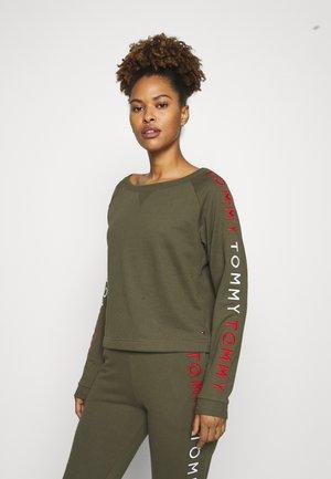 TRACK - Pyjama top - army green