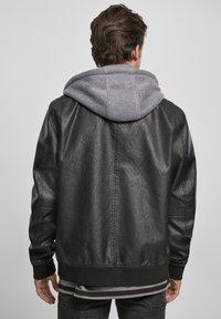 Urban Classics - MÄNNER - Faux leather jacket - black/grey - 2