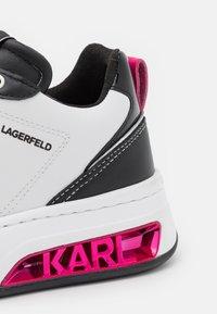 KARL LAGERFELD - ELEKTRA LAY UP - Trainers - white/black - 6