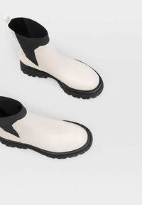 Stradivarius - Ankle boots - off-white - 4