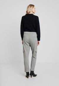 Opus - MILDA - Pantaloni sportivi - hazy fog melange - 2