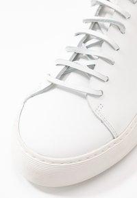 Royal RepubliQ - DORIC DERBY SHOE - Trainers - white - 2