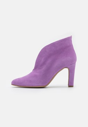 High heeled ankle boots - purple