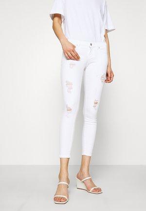 ONLCORAL - Skinny džíny - white