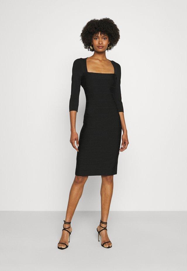 SQUARE 3/4 SLEEVE ICON DRESS - Etui-jurk - black