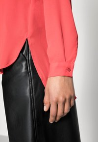 Selected Femme - SFDYNELLA - Blouse - poppy red - 4