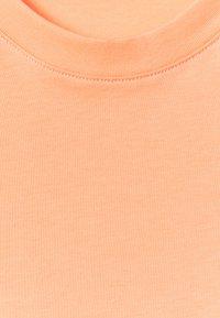 ARKET - Basic T-shirt - apricot - 6