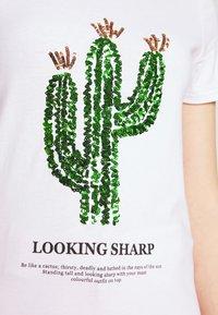 ONLY - ONLKITA LIFE CACTUS BOX - Print T-shirt - bright white - 4