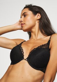 LASCANA - Push-up bra - black - 3