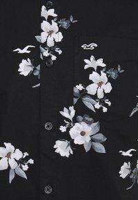 Hollister Co. - Skjorta - black floral - 6