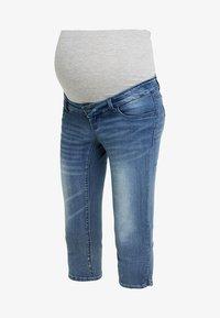 MAMALICIOUS - MLGOLDEN SLIM CAPRI - Denim shorts - light blue denim - 4