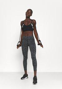 Sweaty Betty - POWER 7/8 WORKOUT LEGGINGS - Medias - black - 1